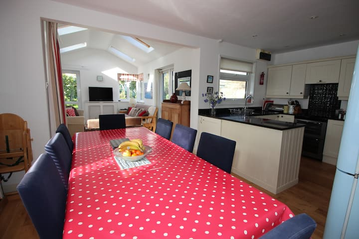 Ideal family accommodation central Rock, Cornwall