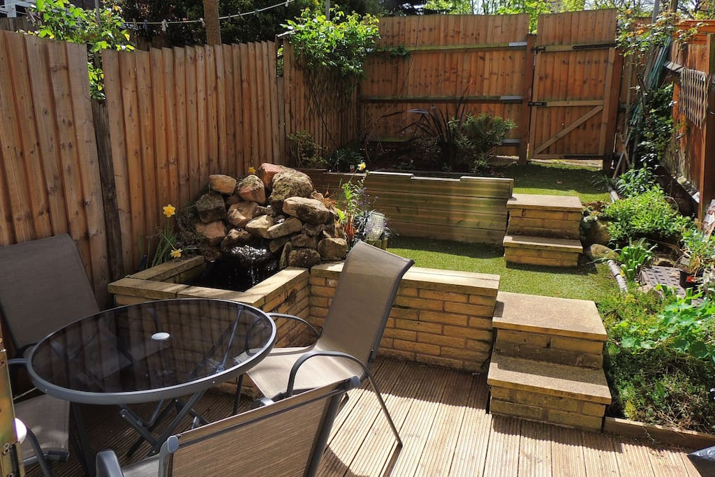 South Facing Back Garden with fish pond!