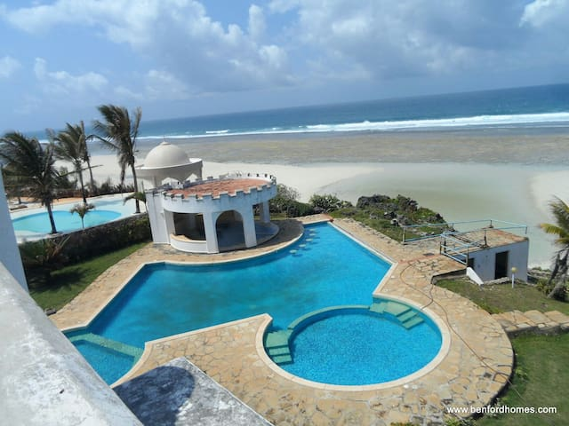 5 bedroom beachside holiday villa - Mombasa - Vila
