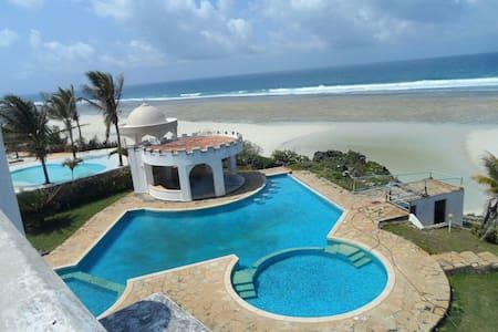 5 bedroom beachside holiday villa - Mombasa