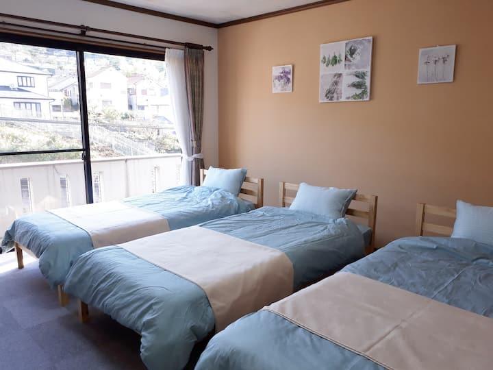 無料朝食付き。リノベーション済、大阪奈良20分。夜景が綺麗なお部屋。