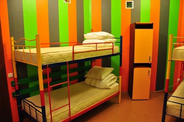 4-beds dorm
