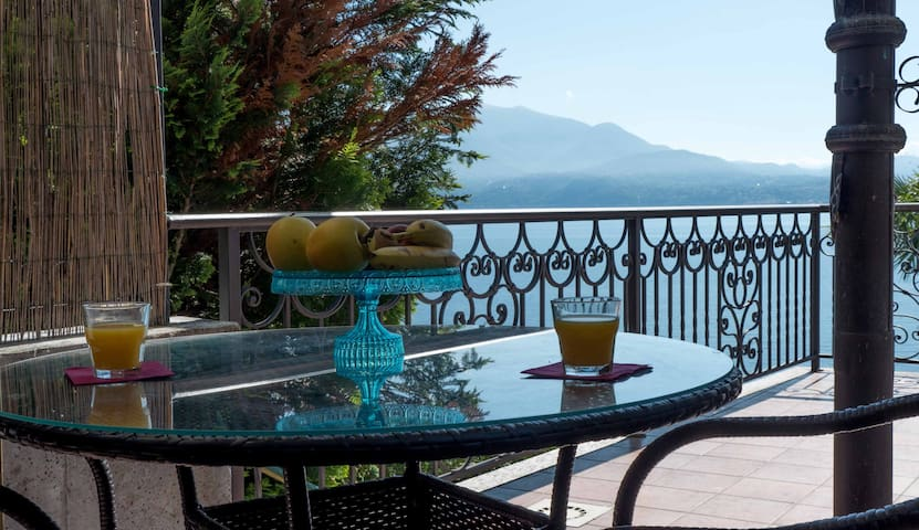 LAKE MAGGIORE, holiday apartment  - Oggebbio - Pis