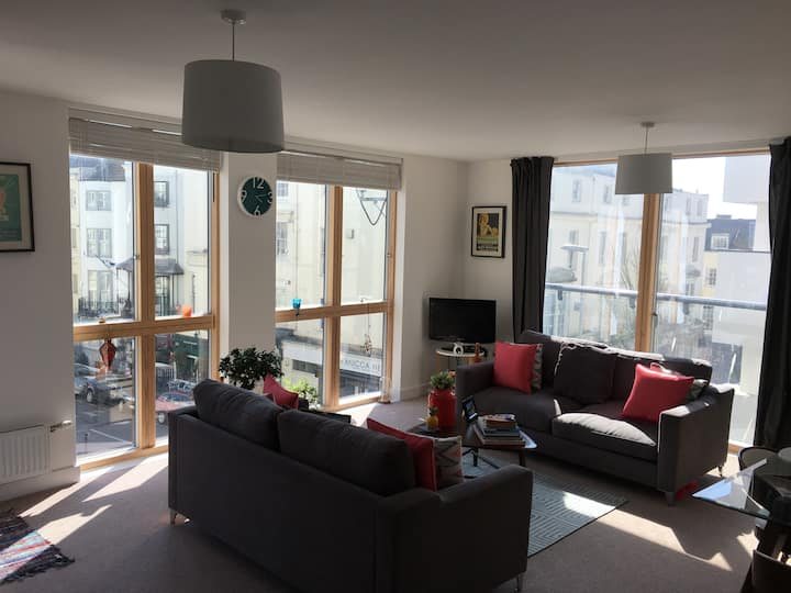 Very Large room in central Brighton - Kemptown