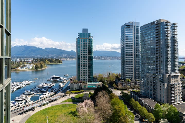 Fabulous One Bed w/ Coal Harbour View