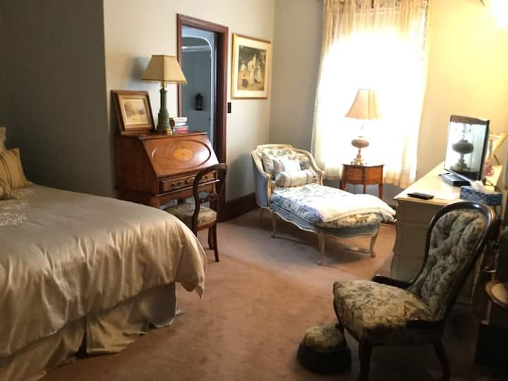 Pemberley House - Versailles Room