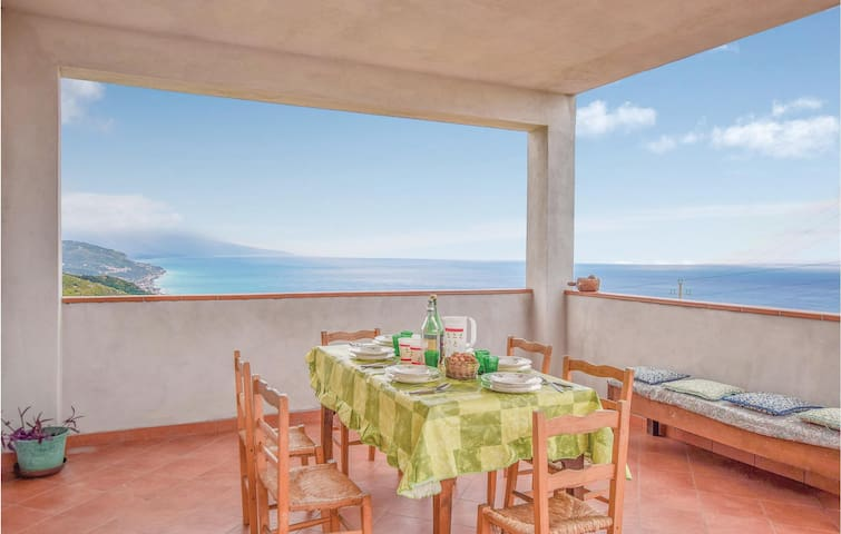 Holiday apartment with 3 bedrooms on 200m² in Cetraro