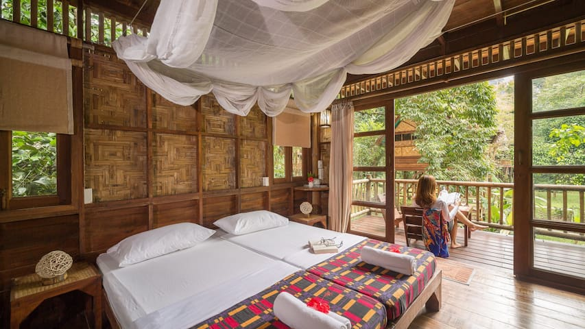 Our Jungle Camp - Single Storey Treehouse (River View)