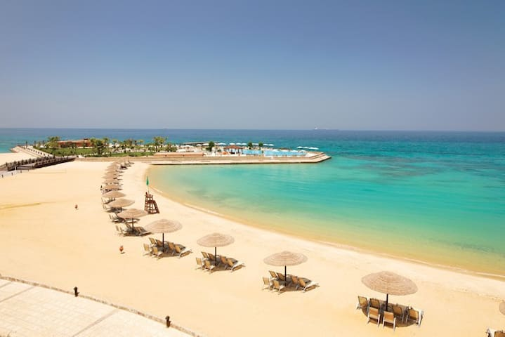 Beach front Appt, red sea, Sun bath 10 months/yr
