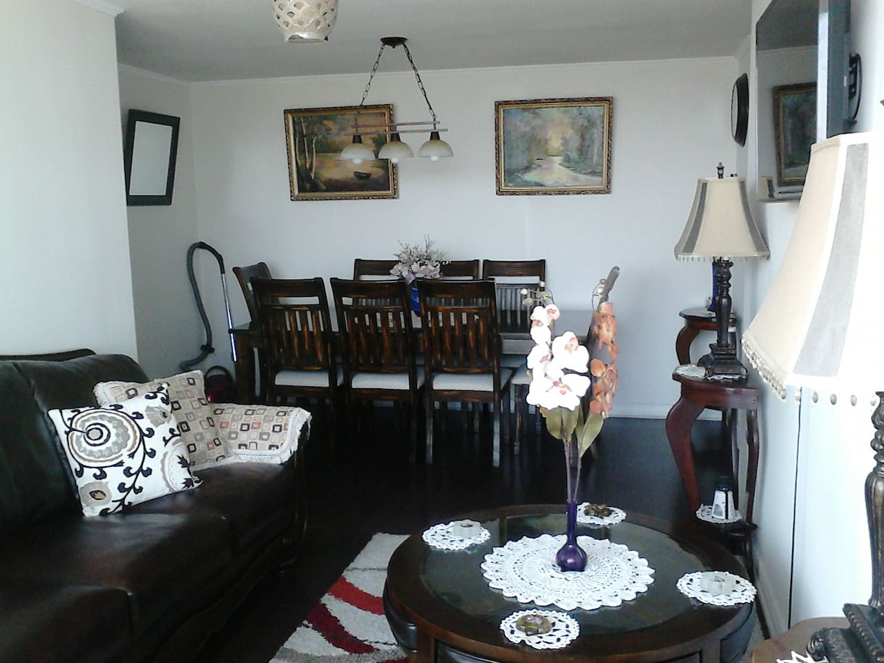 Livingroom - comedor - eating place
