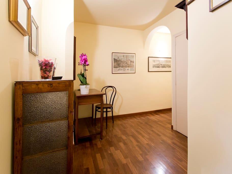 Entrance in Casa Giraffa