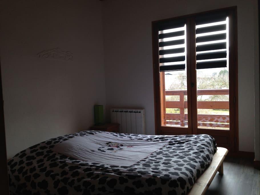 chambre privée lit double balcon sur Mont Blanc