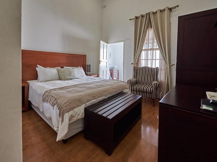 The Sunbird - Standard Family Room