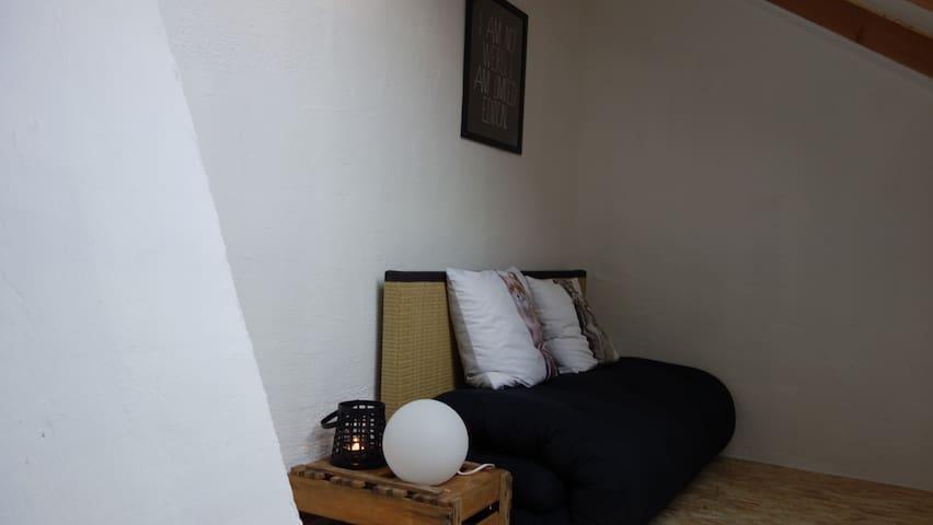 Cosy attic room in Augsburg (near Munich) - Augsburg - Rumah