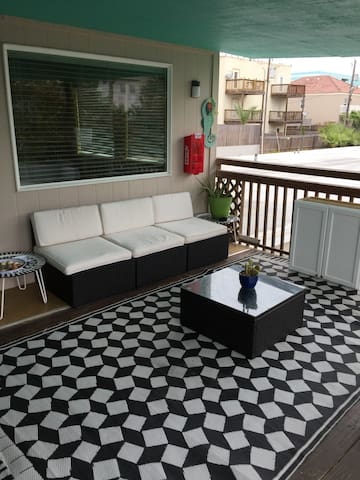 SBI Boutique Beach Motel-Upper Deck Apt-#21