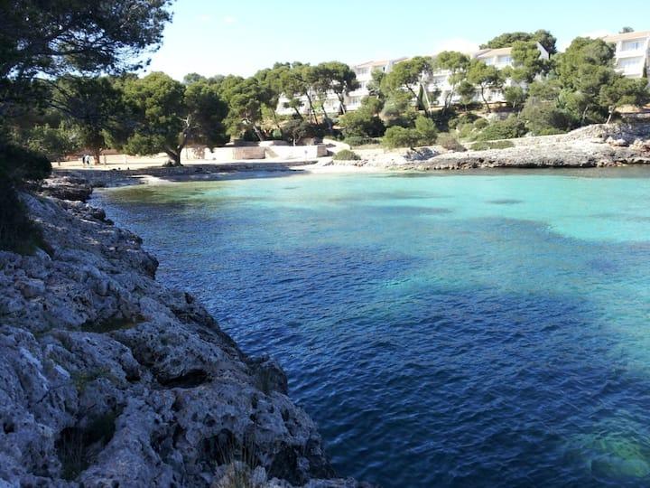 Villa Cel Pins with garden near the sea.