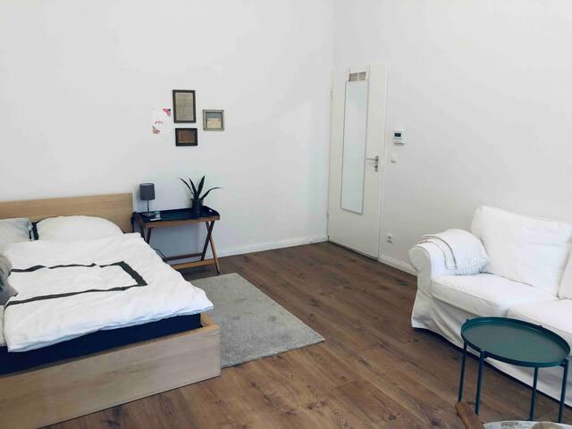 Cozy quiet apartment close to Mauerpark