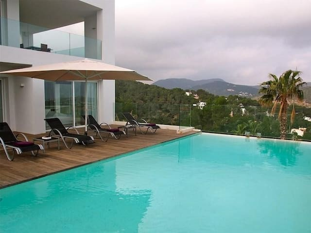 Villa in Cala Moli Ibiza - Eivissa - Villa