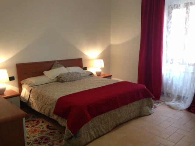 Beautiful 2 bedroom  House in Monzone Tuscany - Monzone - Hus