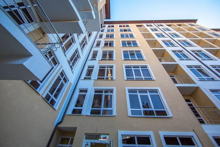 Новая квартира в центре Курортного городка
