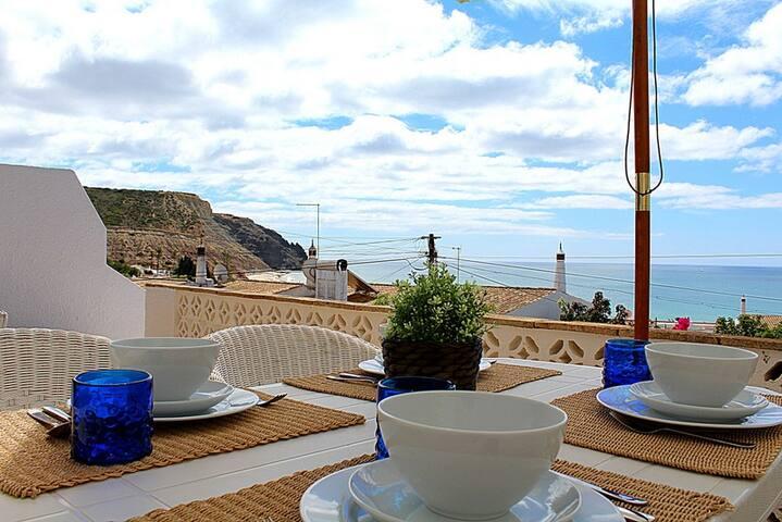 Casa da Ortiga - 100 meters from the beach - Luz - Villa