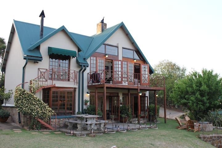 Tarry Stone Cottage - Dullstroom