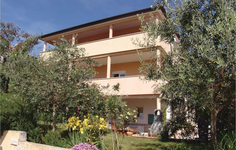 Holiday apartment with 1 bedroom on 42m² in Novigrad