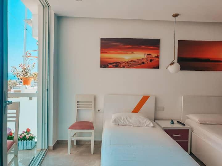 🌅 Sunset Apartment - URBAN STAY SARANDA