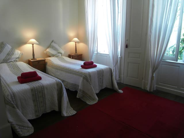 Riberac town centre accommodation-A-Z friendly