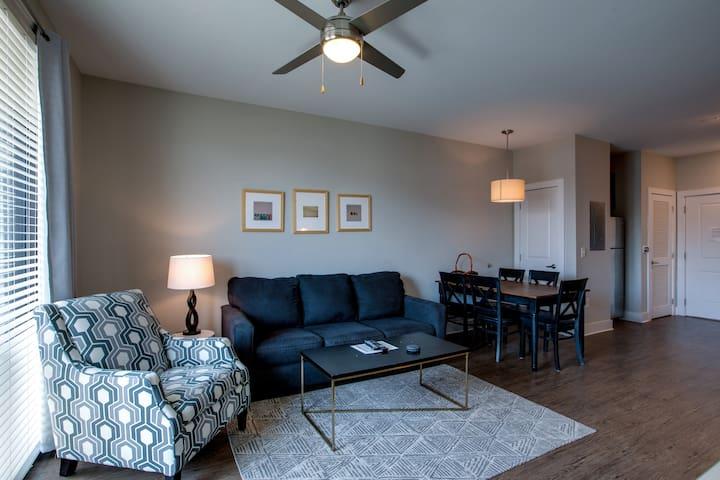 Beautiful One Bedroom in Midtown near Vandy