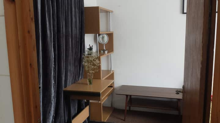 Female only Room in Marston/Near JR Hospital