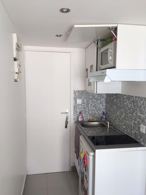 Porte d'entrée avec espace cuisine