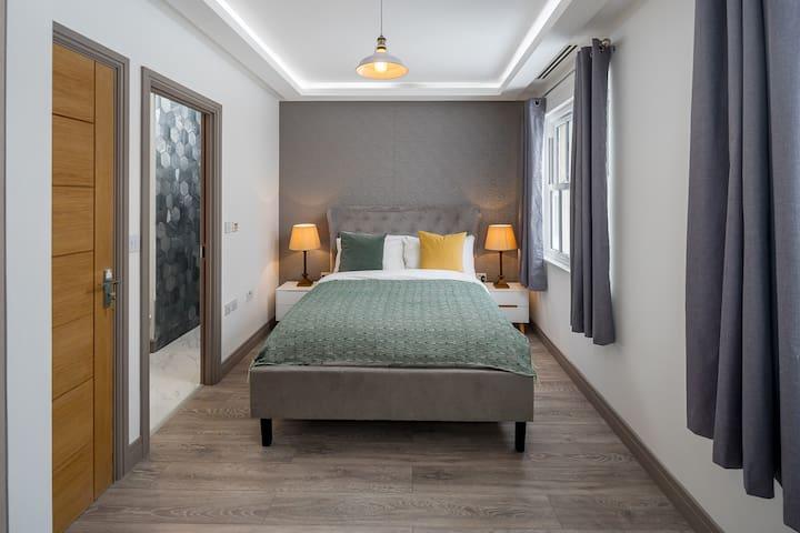 Luxurious Elegant 3bed Flat in London