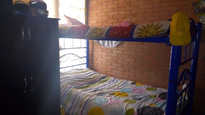 Habitacion en Casa campestre, muy cerca a Bogotá