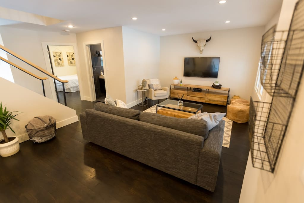 Beautiful spacious living room paired with Netflix and a Playstation for use