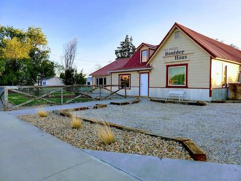 Joe's Valley Boulder Haus: The Left Fork