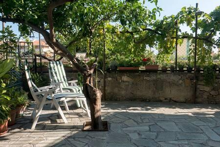 next to the sea and bike path - Riva Ligure - Appartamento