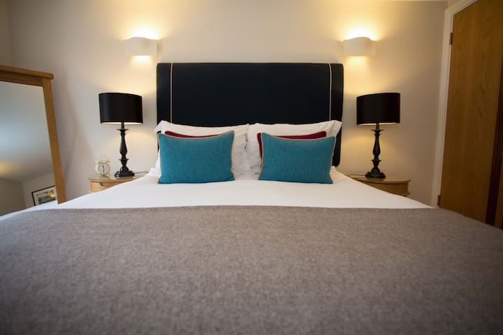 No 2 Mortimer House, WTB 5* S/Catering Crickhowell
