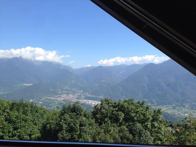 Accogliente mansarda in montagna - Ossimo - Lägenhet