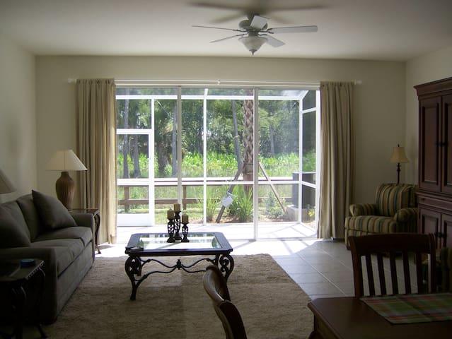 Great Room into lanai