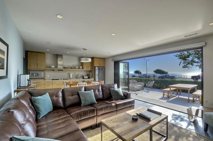 DOLPHIN SUITE - OCEANFRONT! PANORAMIC VIEWS!