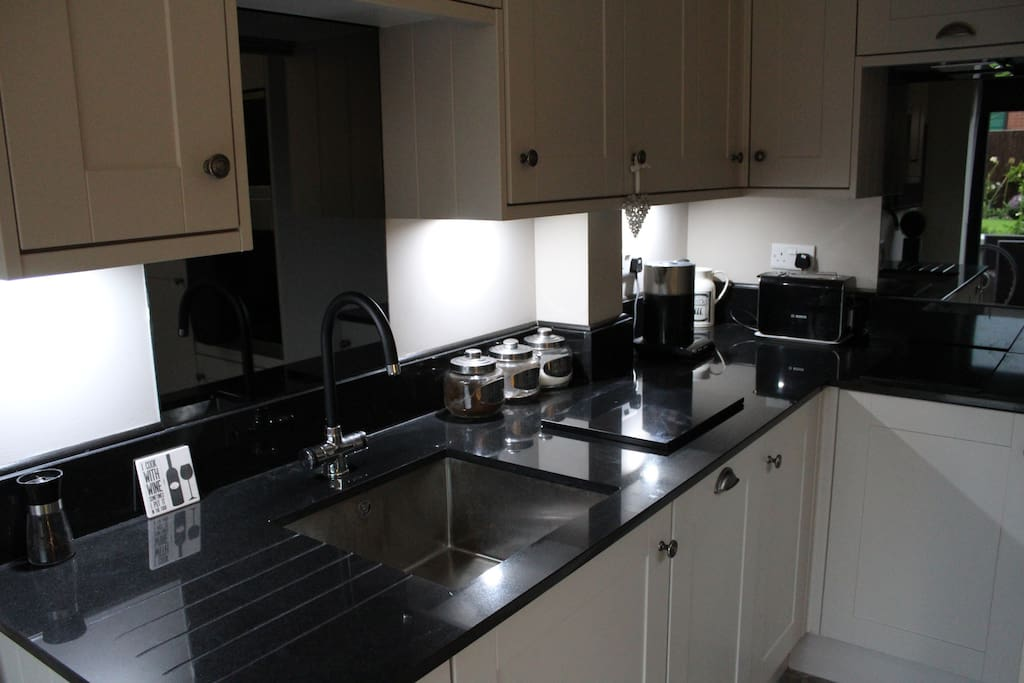 Lovely kitchen area, coffee, tea, milk and sugar included  !