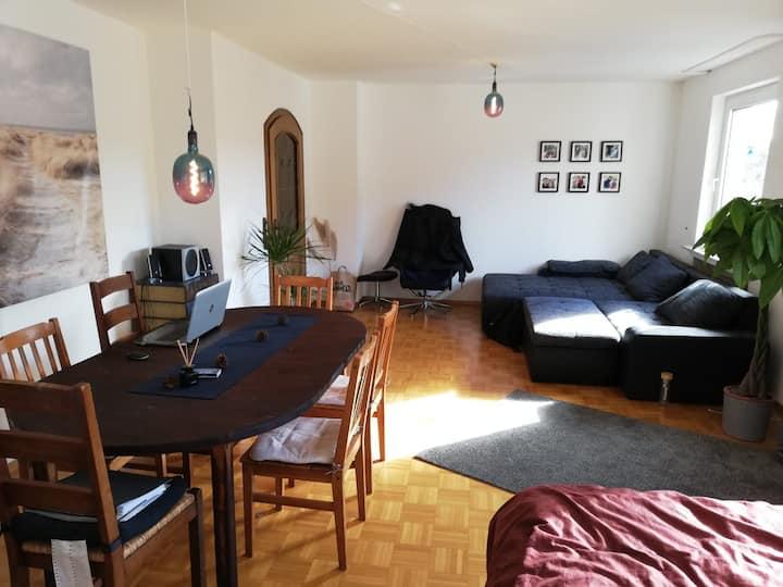 Sehr gemütliches und großes (30qm) Wohnzimmer :)