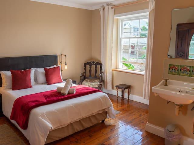 Du-Luxe Double Rooms