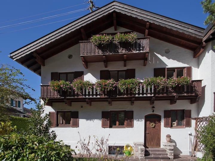 Gemütliche Ferienwohnung an Isar und Karwendel.