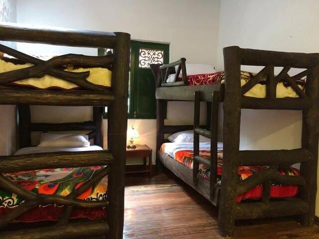 Habitación Tías 3 · Finca Campestre La Adelita B&B