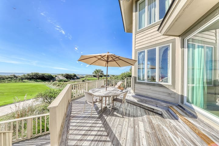 Gorgeous waterfront home w/ a shared, outdoor pool & tennis - Snowbird friendly!