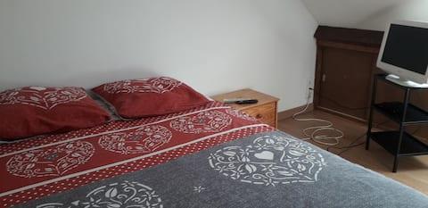 Loue petite chambre chez l'habitant