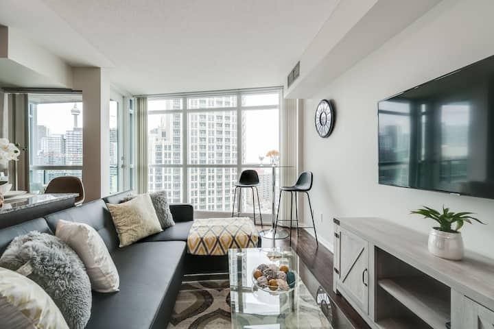 CN Tower & Harbour View - 1BR + 1BA + 4ppl