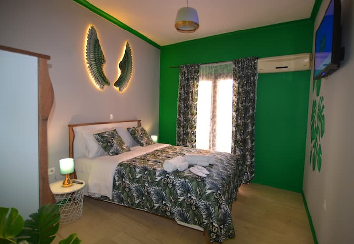 Medium Green Wings Apartment